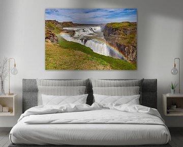 Regenboog boven Gullfoss in IJsland van Easycopters