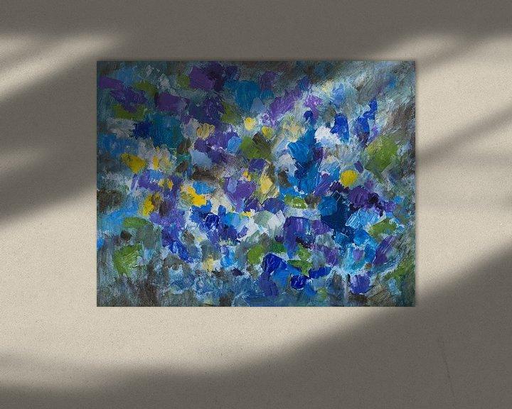 Sfeerimpressie: Abstract schilderij impressie viooltjes van Paul