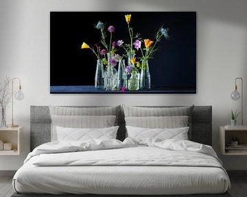 Fleurs funky en noir sur Studio Petra Moes
