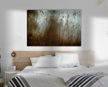dunkle Gräser von Tania Perneel