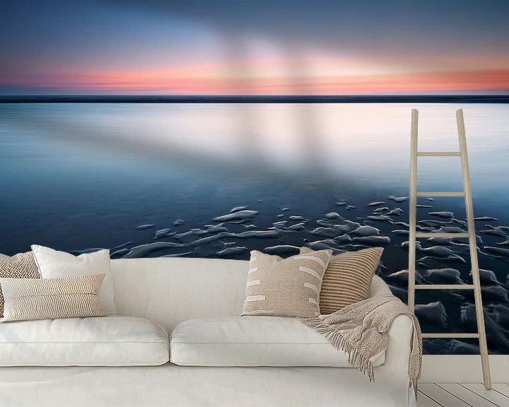 Sfeerimpressie behang: Het strand van Katwijk na Zonsondergang van Martijn van der Nat