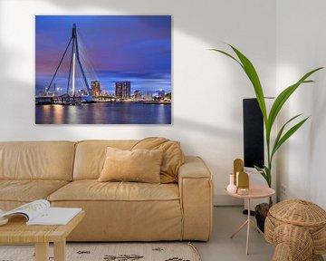 Erasmusbrug Rotterdam bij kleurrijke schemering van Tony Vingerhoets