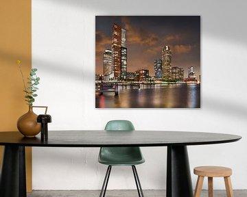 Stadslandschap Kop van Zuid Rotterdam met prachtige zonsondergang van Tony Vingerhoets