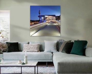 BMW Welt met televisietoren, München, van Markus Lange