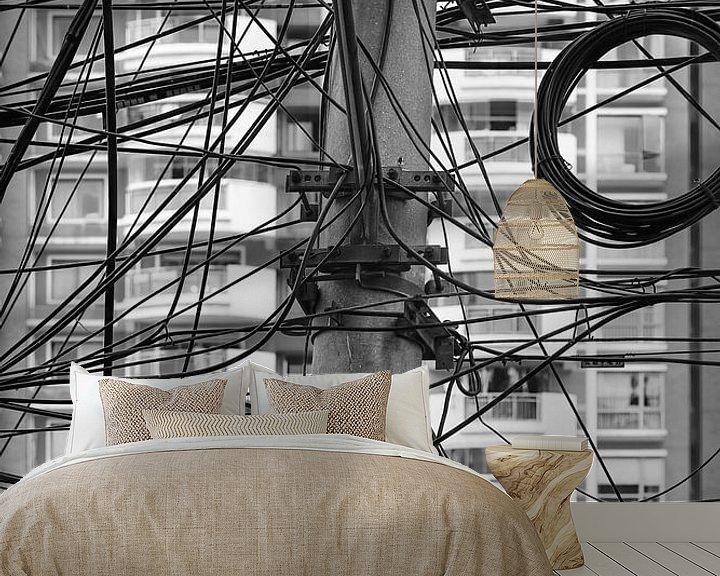 Sfeerimpressie behang: Kluwen van elektriciteitsdraden van Tony Vingerhoets