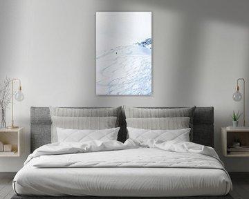 Man in sneeuw van Vere Maagdenberg