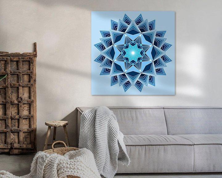 Beispiel: Blaues Mandala mit acht Punkten und drei Schichten in verschiedenen Blautönen von Andie Daleboudt