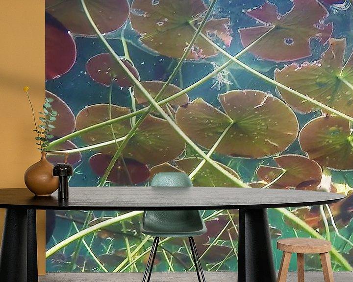 Sfeerimpressie behang: Waterlelies van Trudy van der Werf