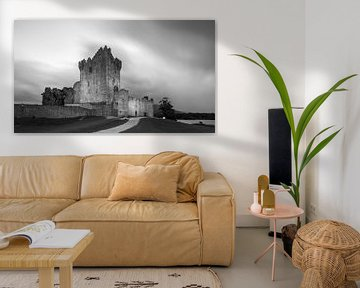 Zonsondergang bij Ross Castle, Killarney, Ierland van Henk Meijer Photography