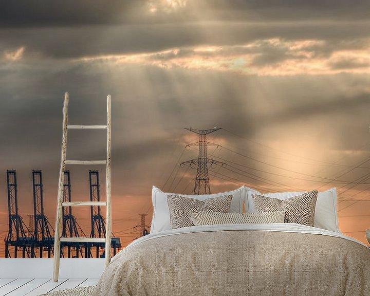 Sfeerimpressie behang: Zware industrie tijdens een oranje gekleurde sunset_1 van Tony Vingerhoets