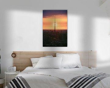 Berliner Fernsehturm Sonnenfinsternis von Jean Claude Castor
