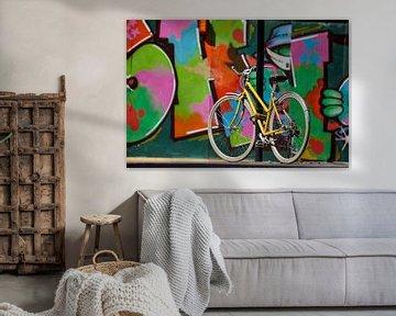 Gelbes Fahrrad - London von David Bleeker