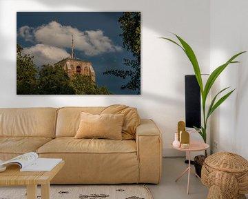 Die Leeuwarder-Ikone, der Oldehove, in der späten Abendsonne und getönten Wolken von Harrie Muis