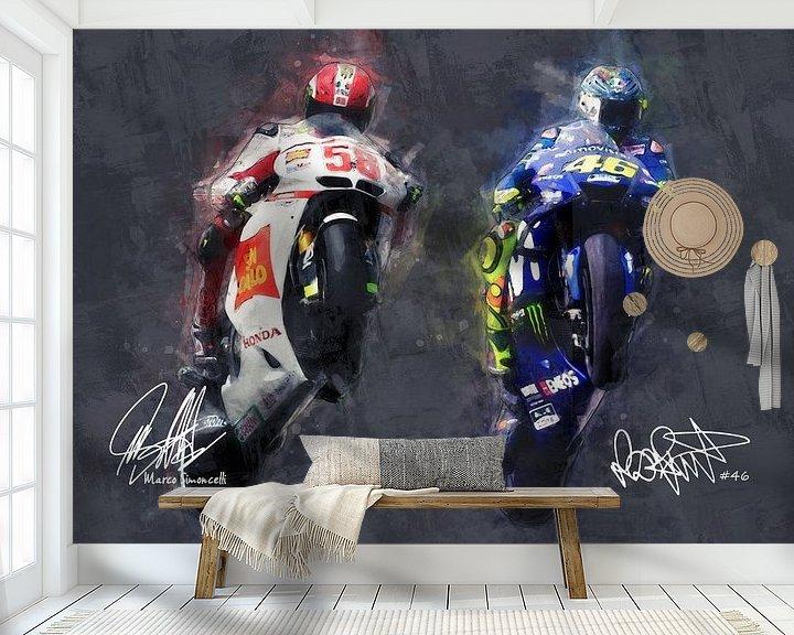 Sfeerimpressie behang: Olieverf portret van Marco Simoncelli & Valentino Rossi versie 1 van Bert Hooijer