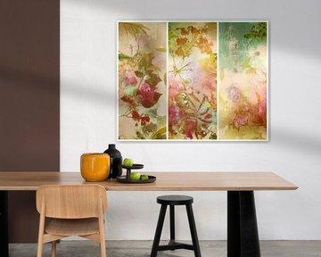 Triptychon mit malerischen Blumen. von Saskia Dingemans
