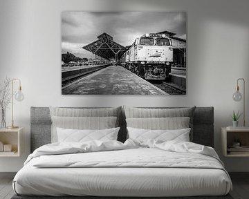treinstation op Java, Indonesië van Jeroen Langeveld, MrLangeveldPhoto