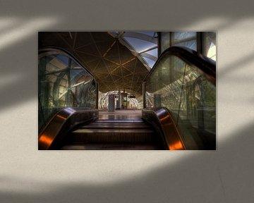 Station Beatrixkwartier spiegel roltrap van Ron Meiresonne