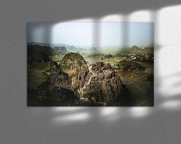 Die Gipfel von Tam Coc in Ninh Binh, Vietnam von Michael.Pixels