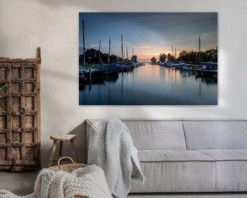 Zonsondergang bij de haven van Teroele Friesland van Silvia Thiel