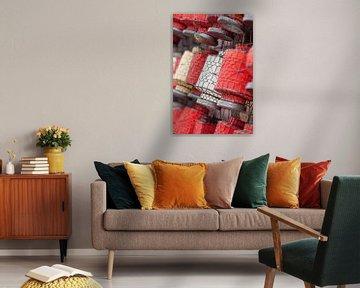 Traditionele lantaarns op een Chinese rommelmarkt van Tony Vingerhoets