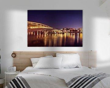 Jan-Schaefer-Brücke in Amsterdam bei Nacht von Nisangha Masselink