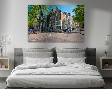 Mittelalterliche Häuser an der Reguliersgracht in Amsterdam von Nisangha Masselink