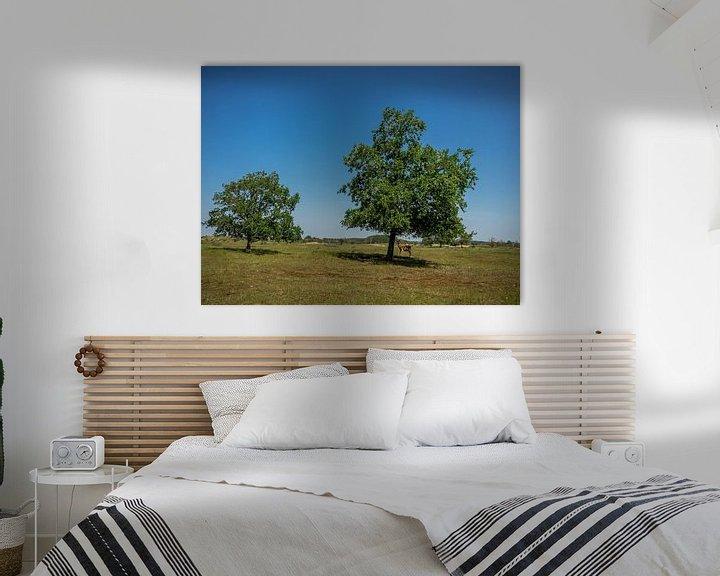 Beispiel: 2 Bäume und ein Damhirsch von Martijn Tilroe