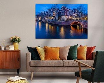 Stadtbild von Amsterdam an der Keizersgracht bei Sonnenuntergang von Nisangha Masselink