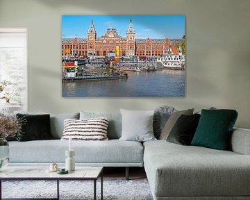 Stadtbild in Amsterdam mit Hauptbahnhof von Nisangha Masselink