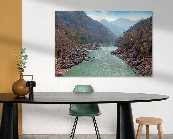 Sfeerimpressie: De heilige rivier Ganges in India bij Laxman Jhula van Nisangha Masselink