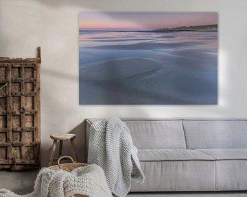 Strand Vlieland tijdens zonsondergang van Sander Groenendijk