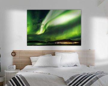 Het noorderlicht boven de kust van IJsland van Nathan Marcusse
