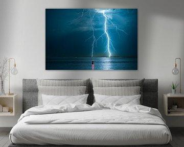 Blitzschlag an der niederländischen Küste von Menno van der Haven