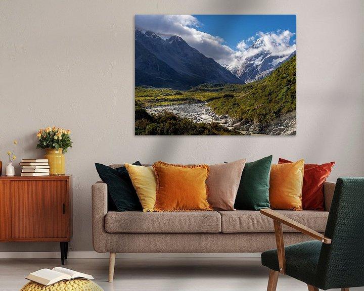 Sfeerimpressie: Nieuw-Zeeland - Mount Cook / Aoraki National Park - Smeltend water dat de berg afdaalt van Rik Pijnenburg