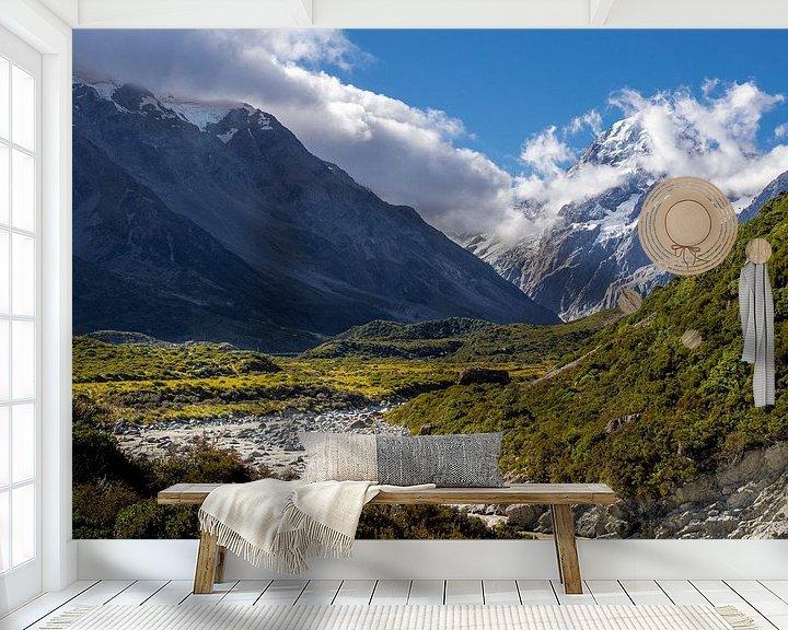 Sfeerimpressie behang: Nieuw-Zeeland - Mount Cook / Aoraki National Park - Smeltend water dat de berg afdaalt van Rik Pijnenburg