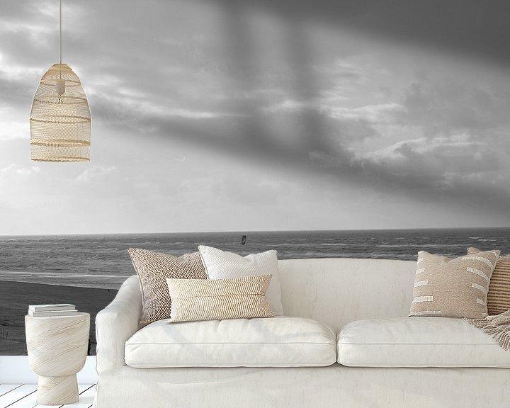 Sfeerimpressie behang: strand zwart wit van Heleen de Silva