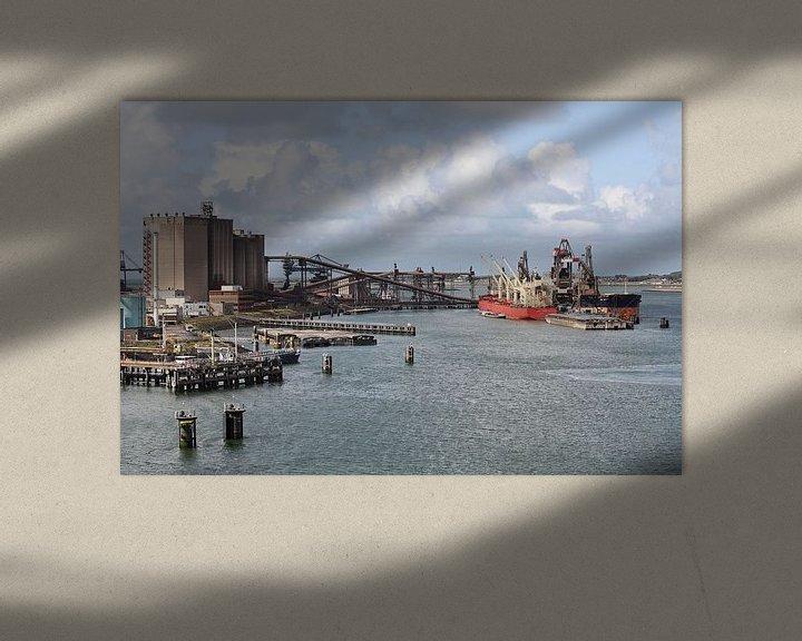 Sfeerimpressie: Zicht op de Europoort in de haven van Rotterdam van W J Kok