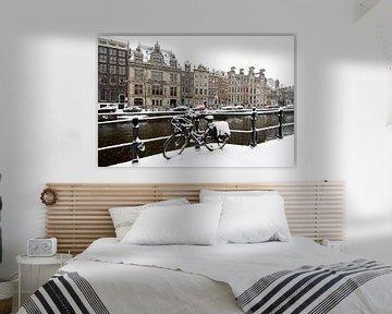 Das verschneite Amsterdam im Winter auf den Grachten von Nisangha Masselink