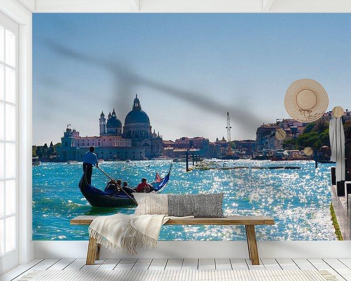 Sfeerimpressie behang: view of the Canals in Venice Italy van Brian Morgan