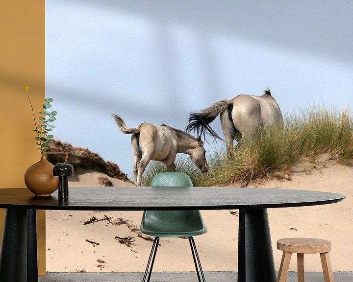 Sfeerimpressie behang: Konik horses van Jon Houkes