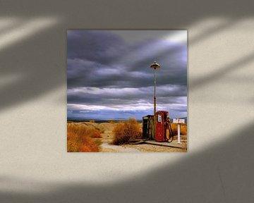 Benzinpumpe in der Wüste von William Aussie