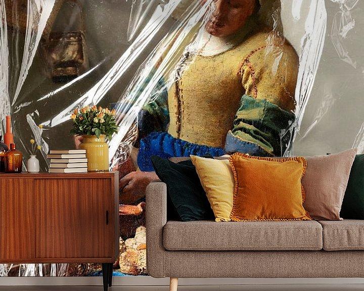 Sfeerimpressie behang: Het Melkmeisje – Almost Unwrapped van Marja van den Hurk