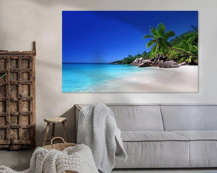 Sfeerimpressie: Strand van het eiland Praslin, Seychellen van Henny Hagenaars