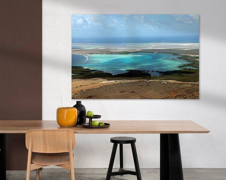 Sfeerimpressie: Bonaire van bovenaf, de baai van Sorobon. van Silvia Weenink