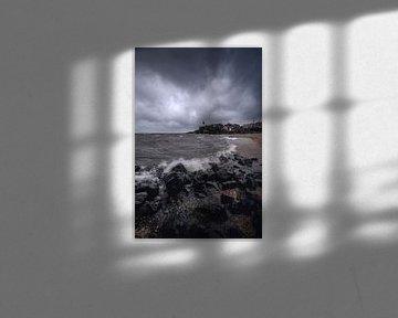 Stormachtig Urk van Thom Brouwer