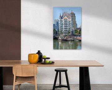 Stadsgezicht van de Oude Haven met schepen en het Witte Huis, Rotterdam van Ruud Morijn