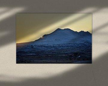 Sunset behind the mountain van Elisa in Iceland
