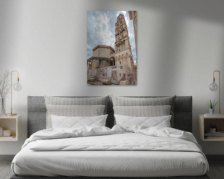 Sfeerimpressie: Klokkentore Saint Domnius in Split, Kroatie van Joost Adriaanse