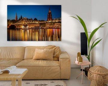 LPH 71308164 Brug over rivier bij zonsondergang, Frankfurt, Duitsland van BeeldigBeeld Food & Lifestyle