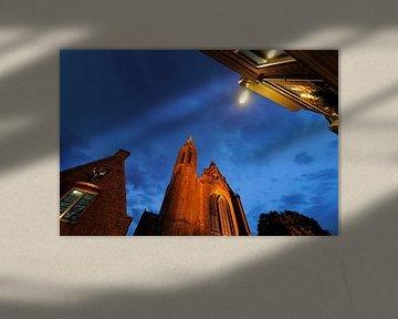 Kleine Vleeshal en de Catharijnekerk aan de Lange Nieuwstraat in Utrecht von Donker Utrecht
